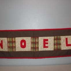 """""""Noel"""" Runner $20"""